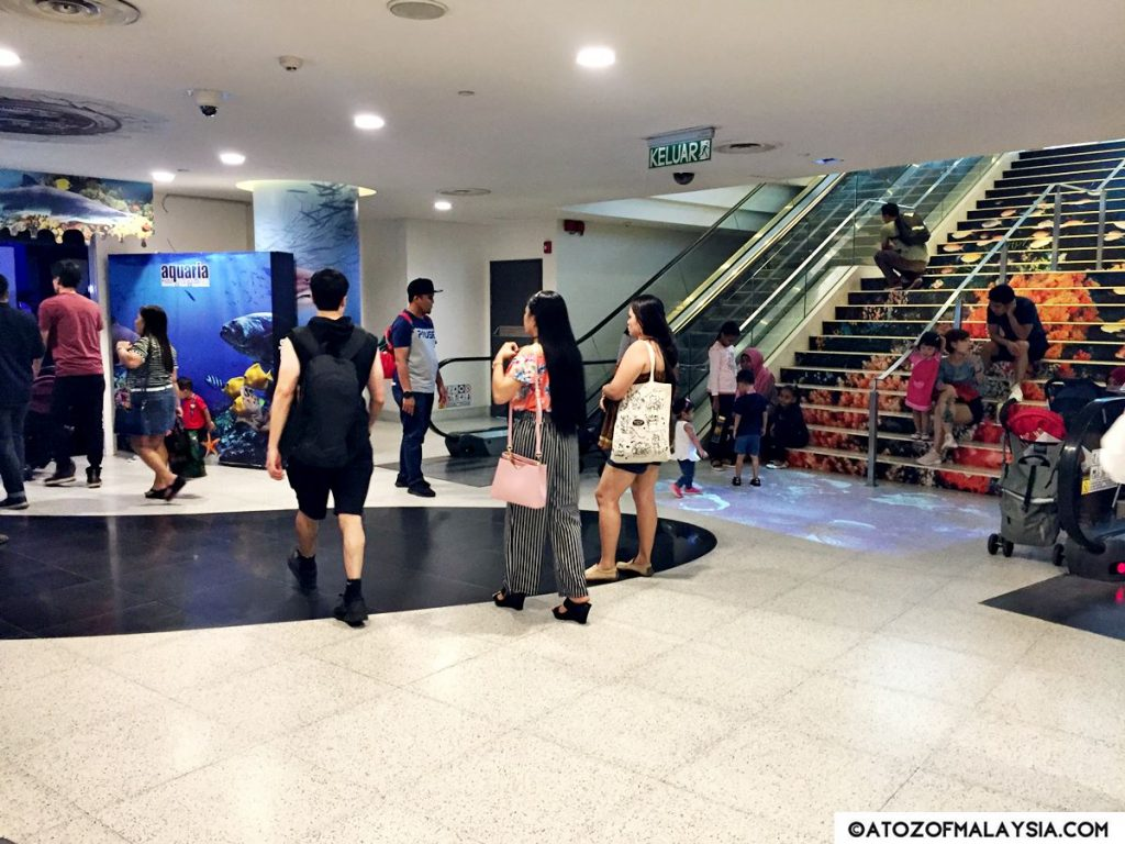 Aquaria KLCC entrance from Bukit Bintang Pavilion Pedestrian walkway