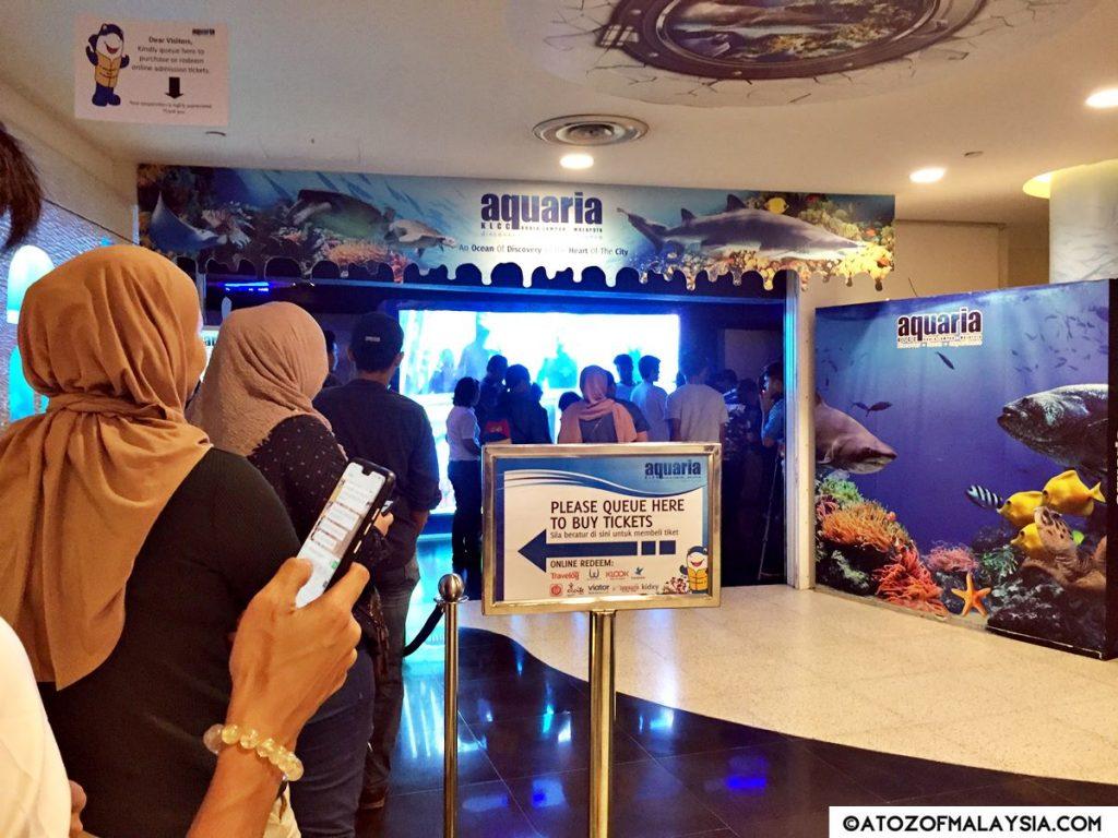 Aquaria KLCC entrance queue for purchasing or redeem online admission ticket to Aquaria KLCC